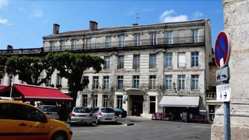 . Hôtel du Palais