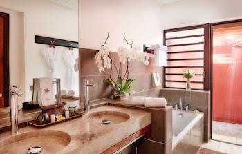 Palm Hotel and Spa - Bathroom  - #0