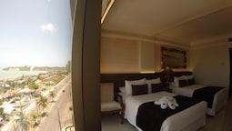 Luxury Oda, 2 Çift Kişilik Yatak, Okyanusa Sıfır