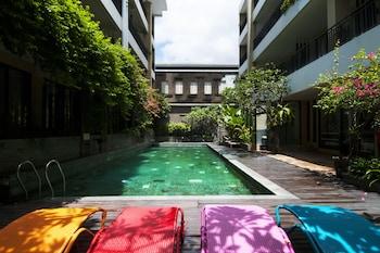 100 サンセット ホテル