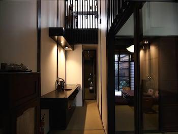 SHOUBUAN MACHIYA RESIDENCE INN Private Kitchen