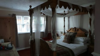 Double Room, Ensuite (4 Poster)
