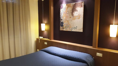 __{offers.Best_flights}__ Hotel Cavalieri del Tau