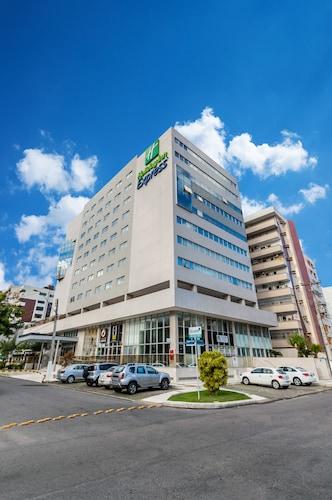 . Holiday Inn Express Maceio Ponta Verde