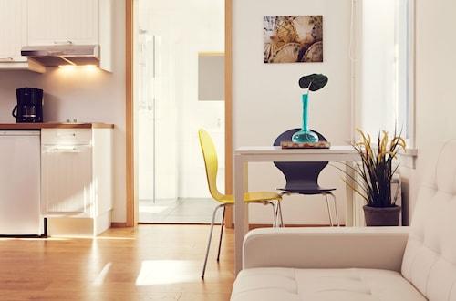 . Rey Apartments