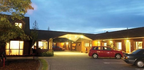 __{offers.Best_flights}__ Champers Motor Lodge
