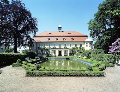 . Hotel Schloss Schweinsburg