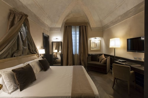 __{offers.Best_flights}__ Palazzo Righini