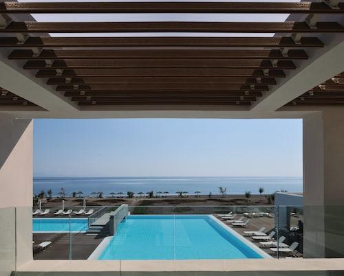 . Thalatta Seaside Hotel