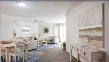 Bella Vista Three Bedroom Apartment
