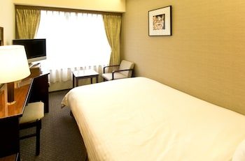 シングルルーム 喫煙|12㎡|琉球サンロイヤルホテル