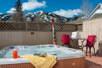 Tamarack Lodge - Outdoor Spa Tub  - #0