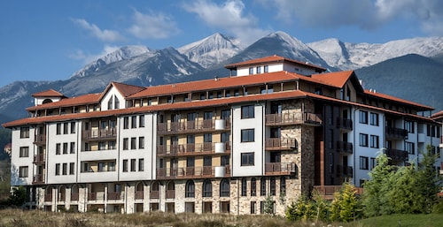 . Grand Royale Apartment Complex & Spa