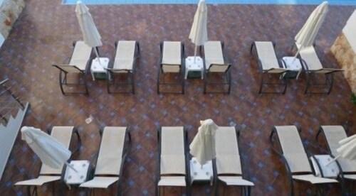 Theros Hotel, Crete