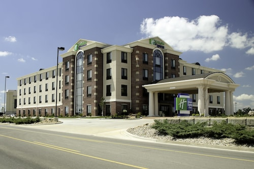 . Holiday Inn Express Hotel & Suites Marion Northeast, an IHG Hotel
