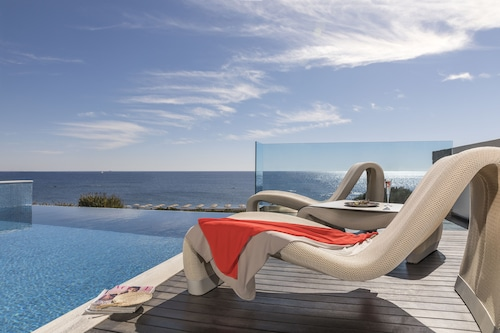 . Boutique 5 Hotel & Spa - Adults Only