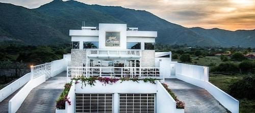 . Agua Dorada Beach Hotel by Lidotel