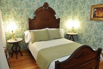 Room, 1 Queen Bed, Balcony, Courtyard View (Estudillo)