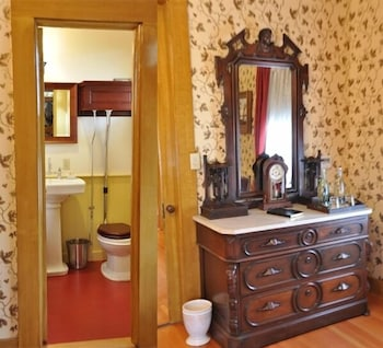 Grand Suite, 1 Bedroom, Balcony, Park View (Seeley Suite)