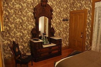 Room, 1 Queen Bed, Balcony, Park View (Josefa Bandini)