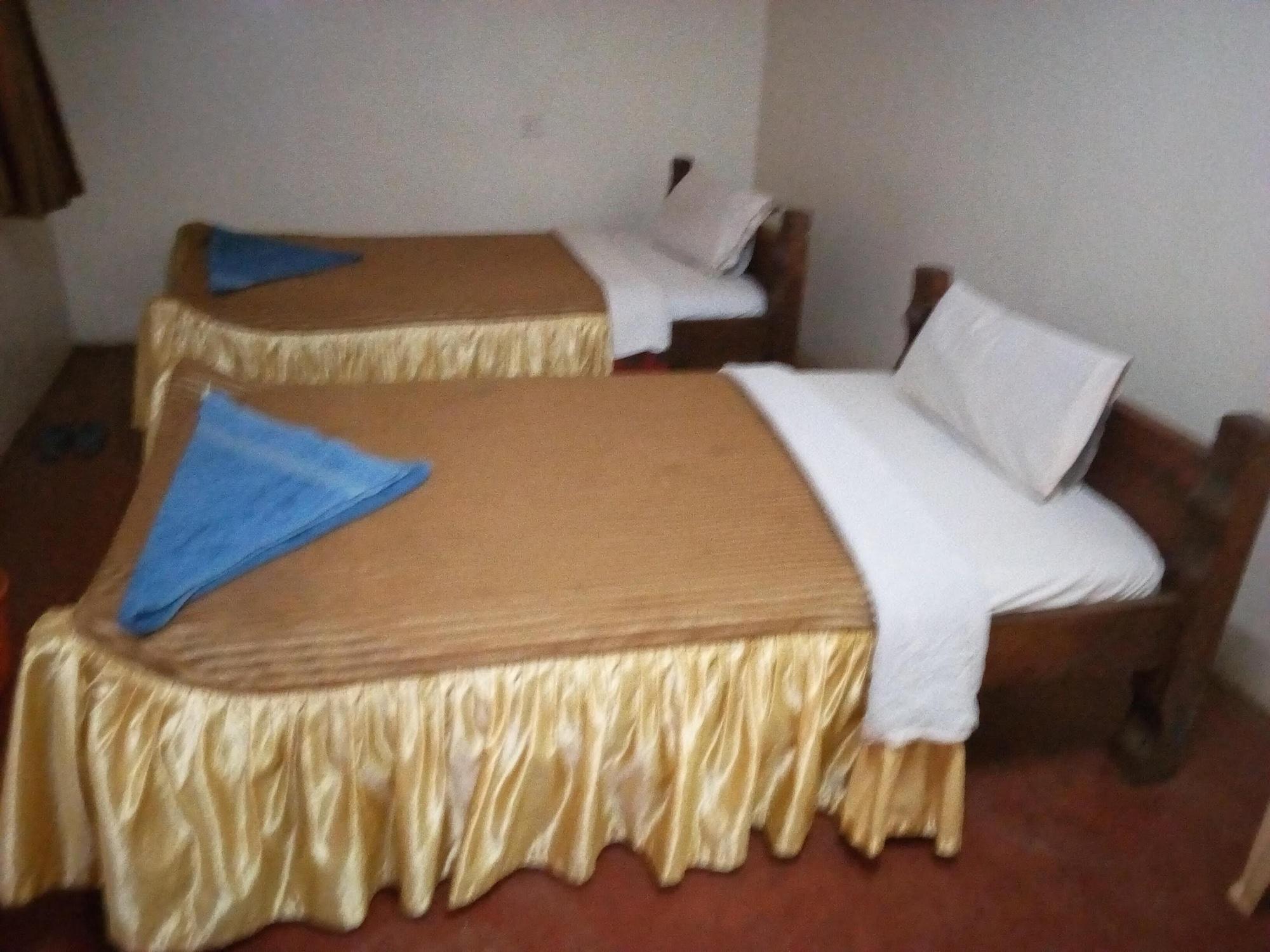 Havana Guest House, Tigania West