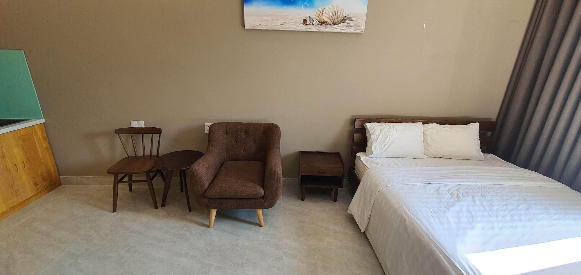 OYO 990 Home 2 Hotel, Thanh Khê