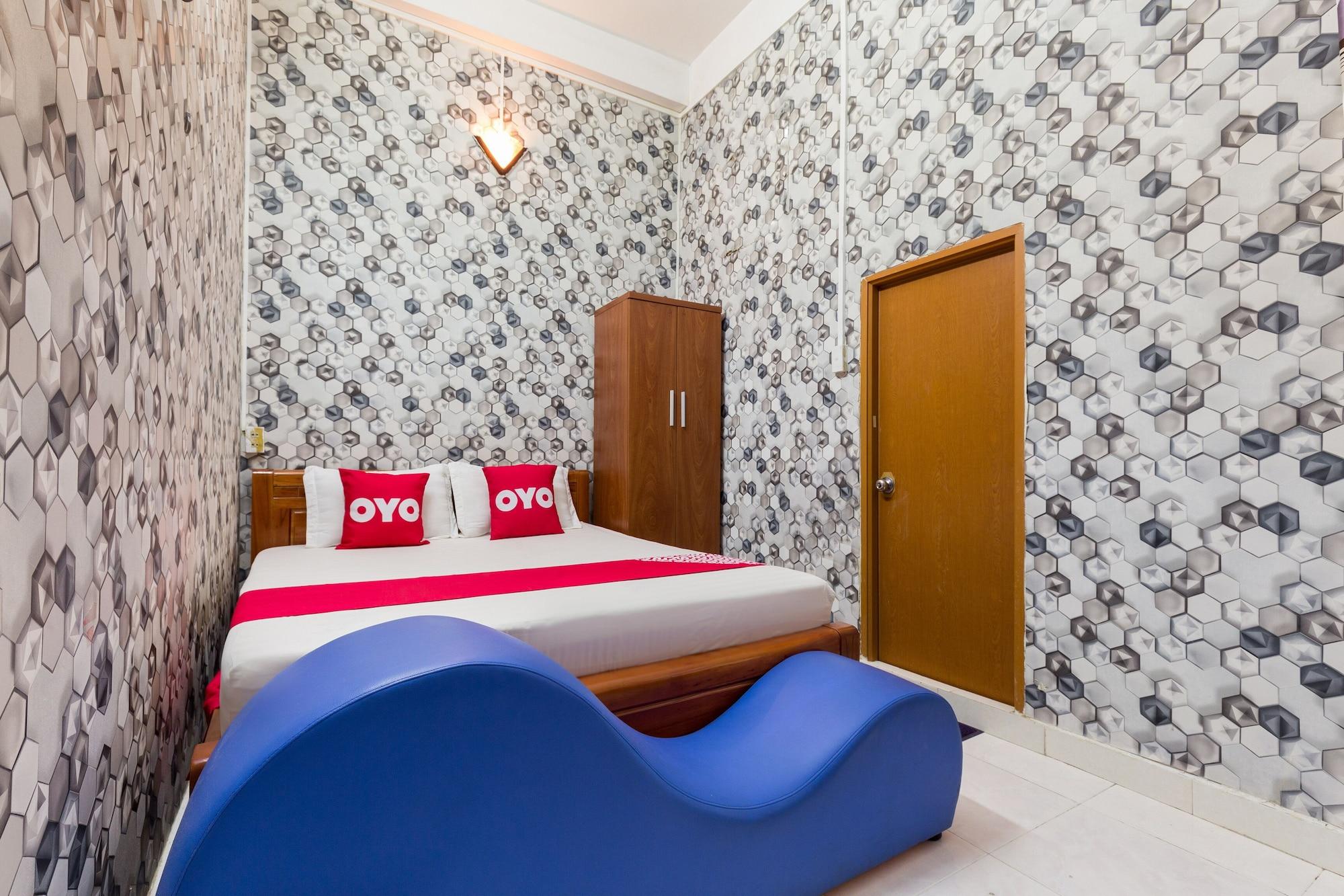 OYO 993 Trinh Ngoc Hotel, Tân Bình