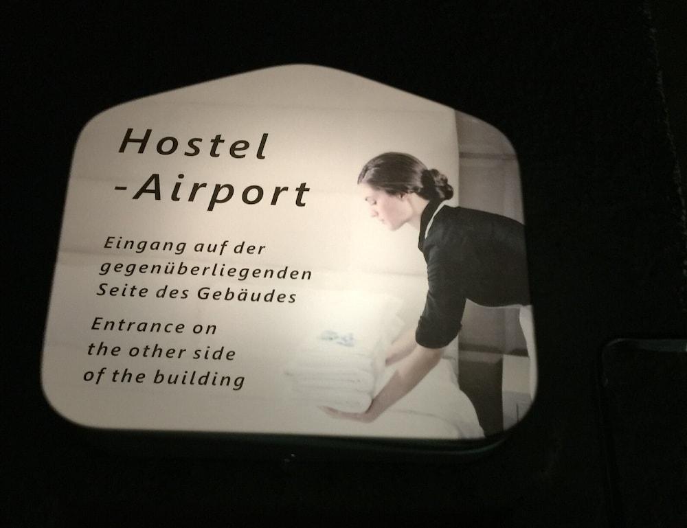 ホステル エアポート オーベーグラット