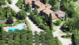 Farmhouse With Pool and Large Garden in Campriano