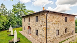 Cozy Aparment in Greve in Chianti With Swimming Pool