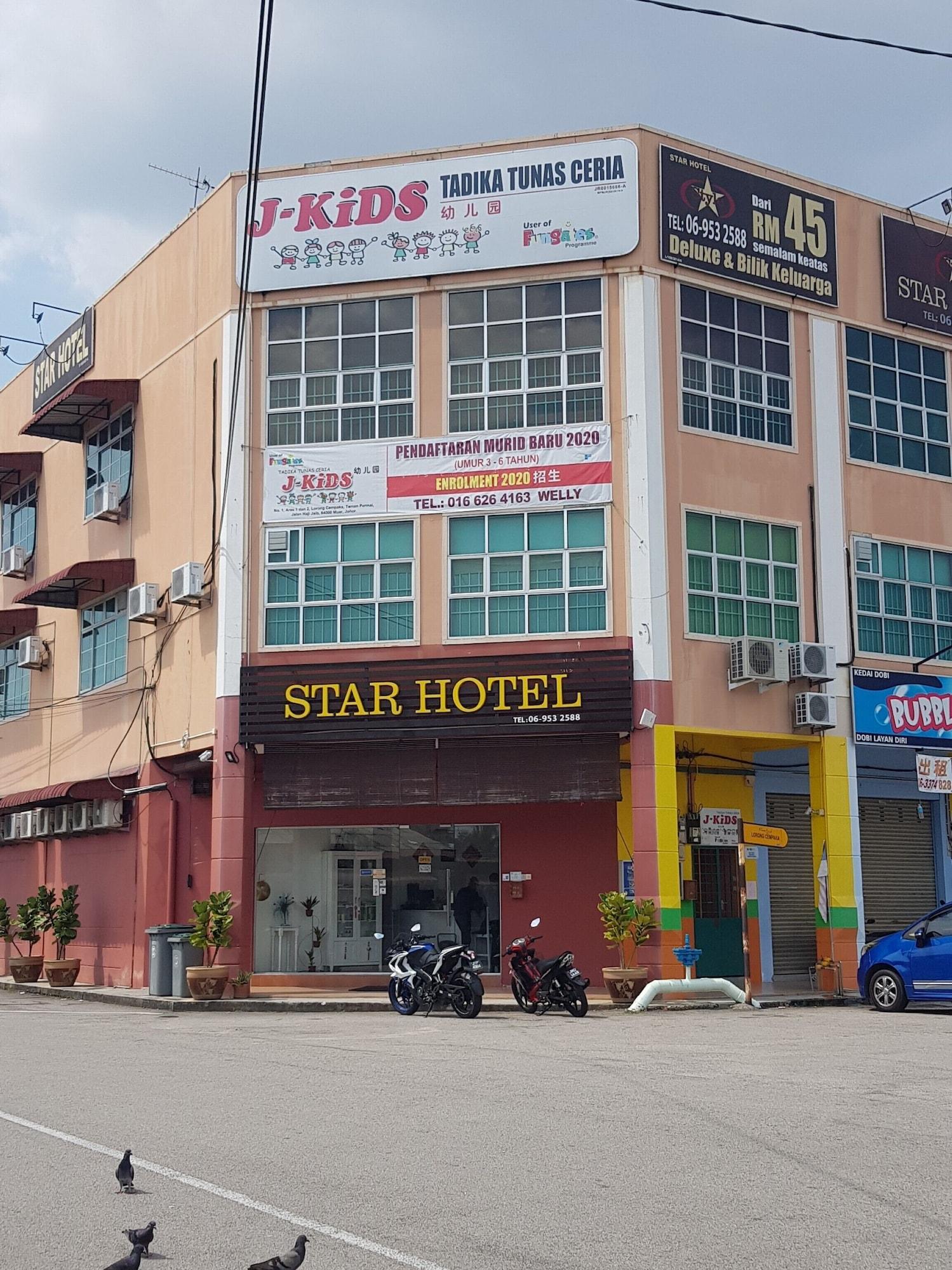 OYO 90035 Star Hotel, Muar