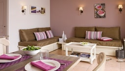 Bright Apartment in French Style Near the Beach of Issambres