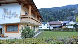 Apartment in Oetz With Balcony, Ski Storage, Fitness Room