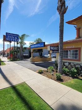 Delmonico Inn & Suites Delmonico Inn & Suites
