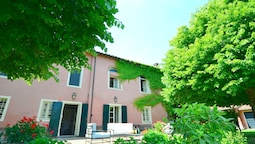Charming and Comfortable Villa Near Lucca With Private Pool