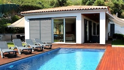 Villa With Private Pool and Beautiful sea Views and a Perfect Location