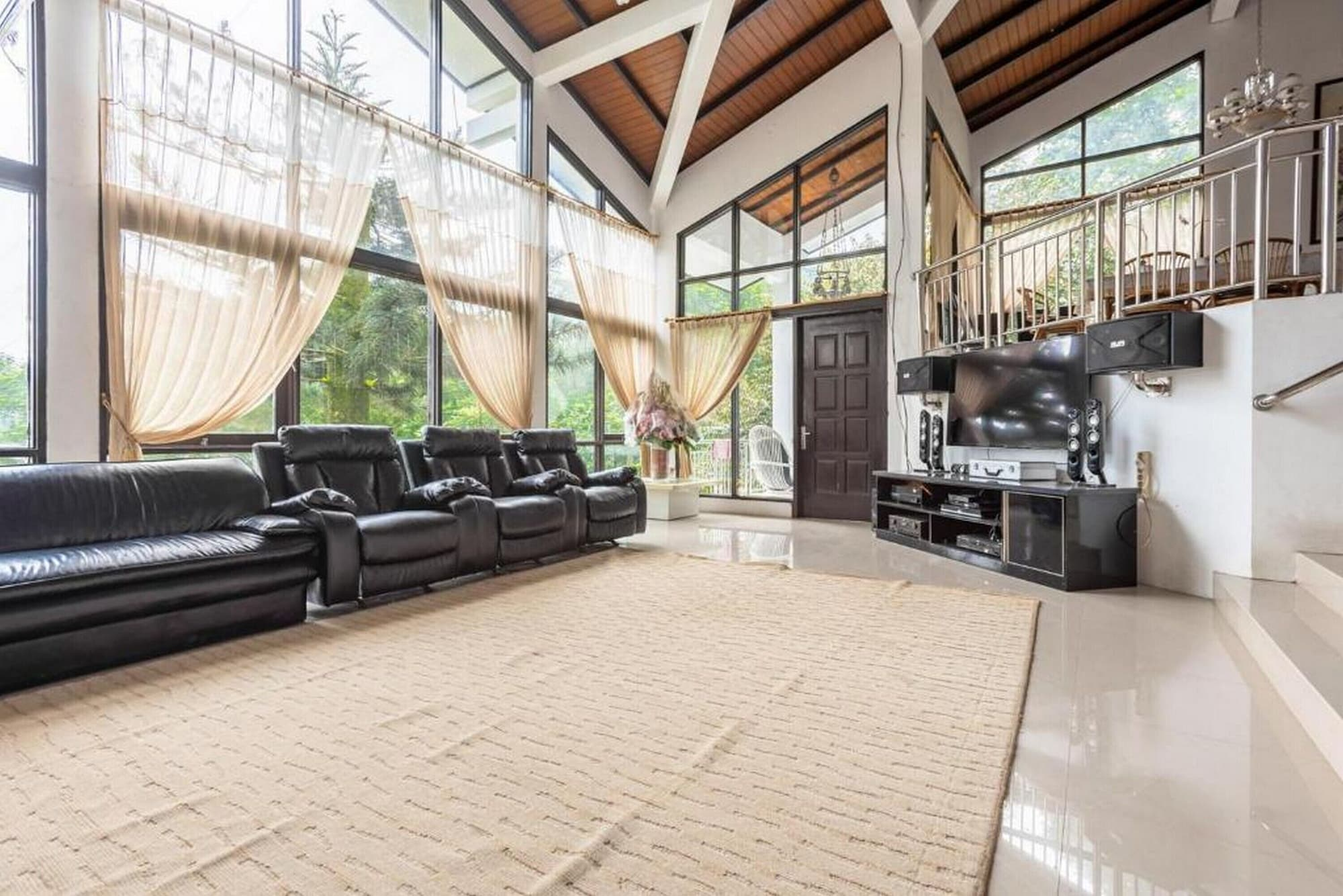 RedDoorz @ Mega Indah Villa Estate G16, Bogor