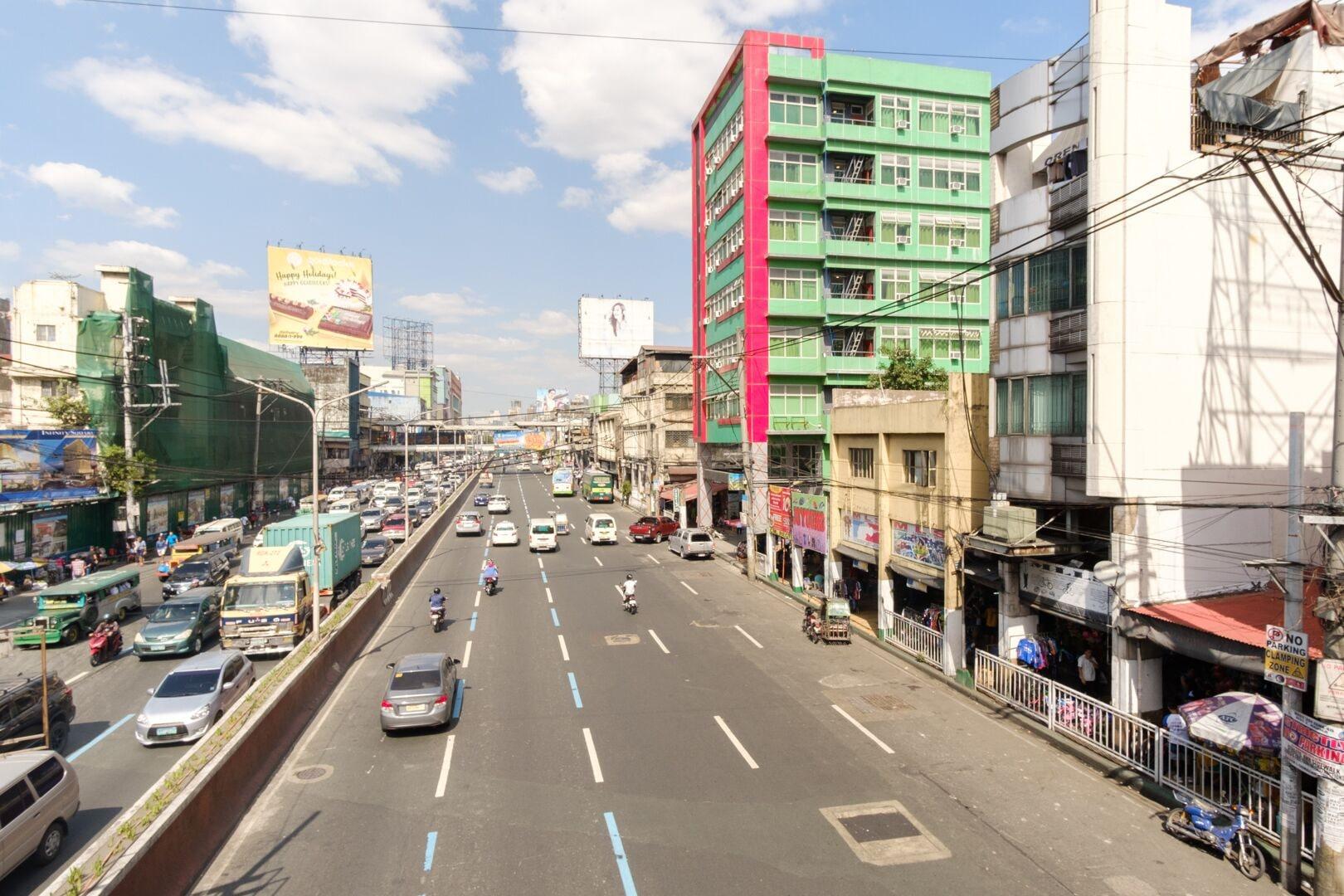 RedDoorz near Quiapo Church Manila, Manila
