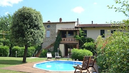 Cozy Holiday Home in Arezzo With Swimming Pool