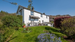 Comfortable Holiday Home With Manicured Garden at Elterwater