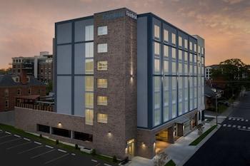 Fairfield Inn & Suites by Marriott Nashville Near Vanderbilt Fairfield Inn & Suites by Marriott Nashville Near Vanderbilt