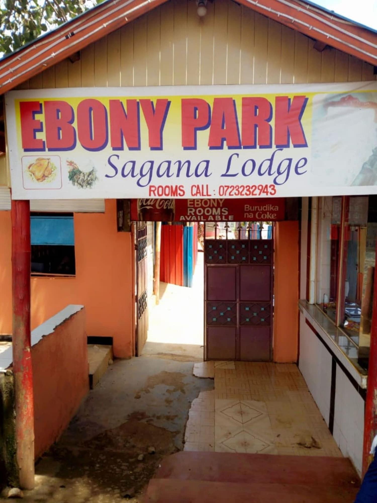 Ebony Park Lounge, Kieni