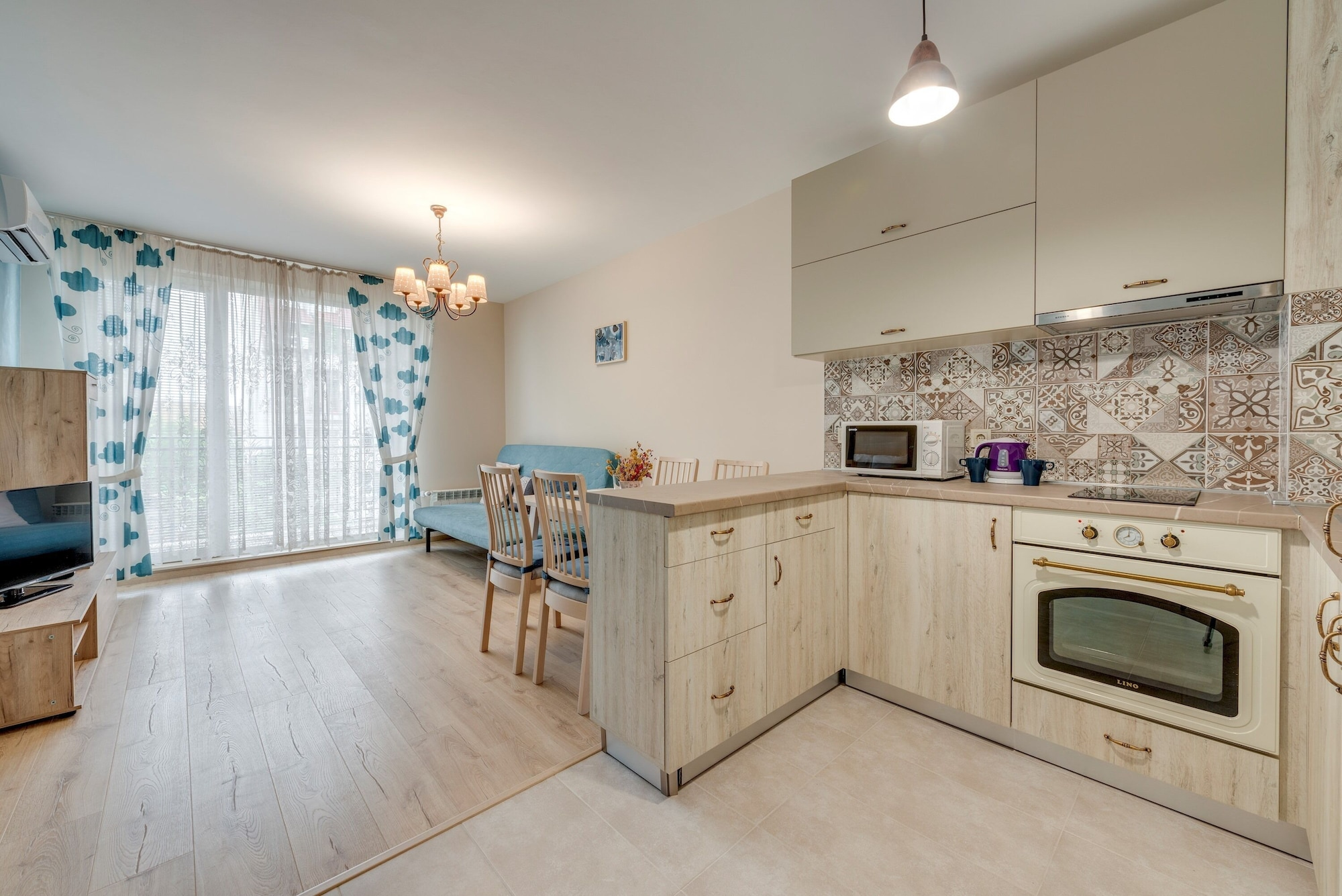 Bright and Newly Refurbished Apartment Near Center, Samokov