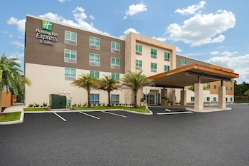 Holiday Inn Express And Suites Deland South, an IHG Hotel Holiday Inn Express And Suites Deland South, an IHG Hotel