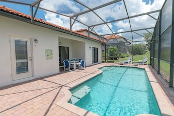 This 5 Bedroom House in Higrove a Perfect Choice for a Family Vacation