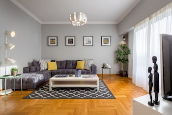110M² HOMM RENOVATED PENTHOUSE IN ATHENS 3BD