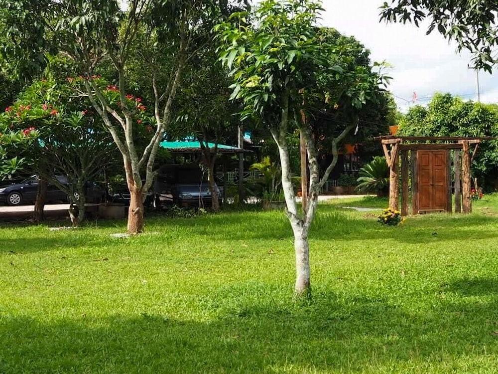ネイビー ガーデン アンド ブティック キャンピング