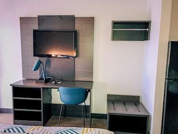 Standard Suite, 2 Queen Beds, Non Smoking