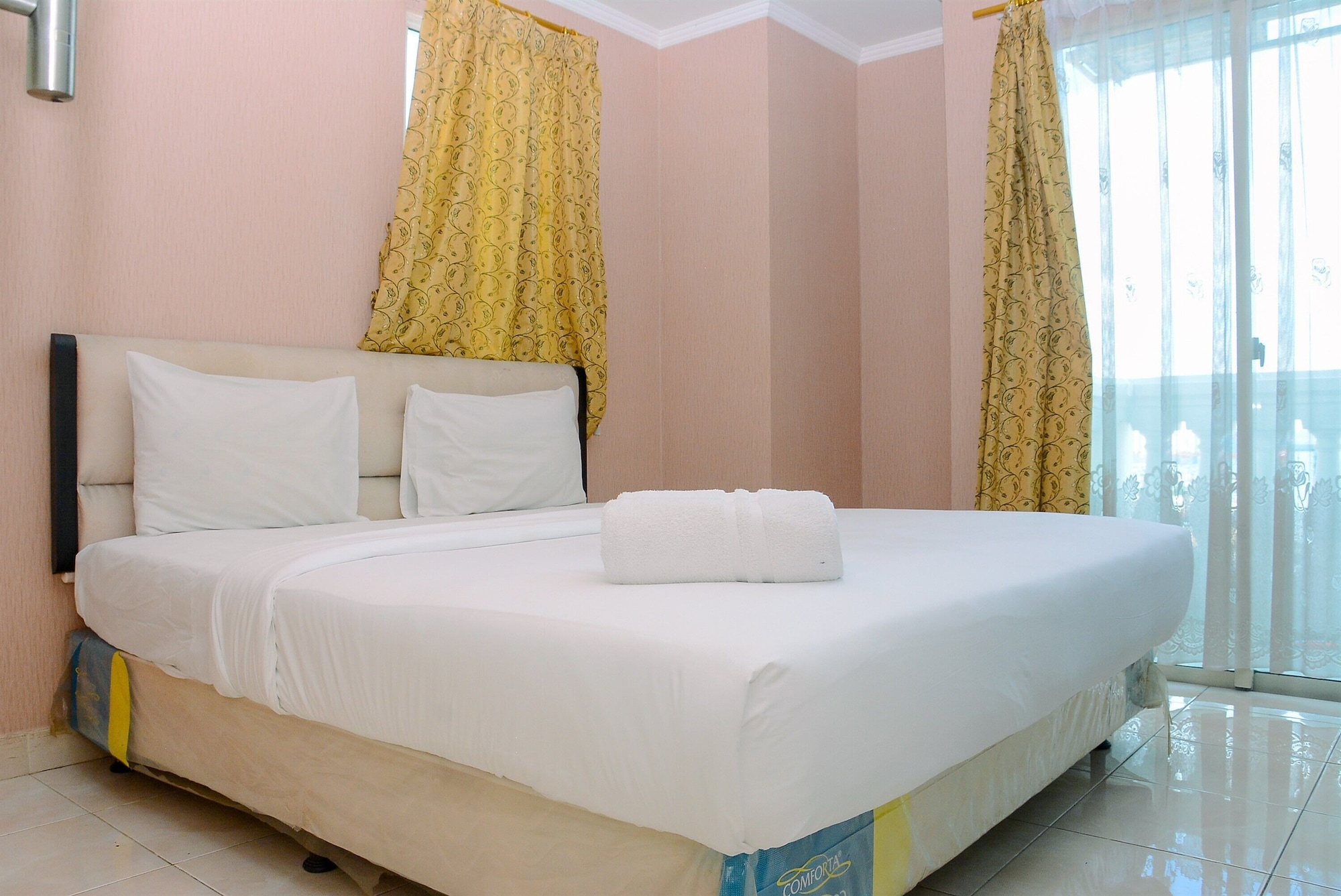 Minimalist and Cozy 2BR Apartment at The Boulevard, Jakarta Pusat