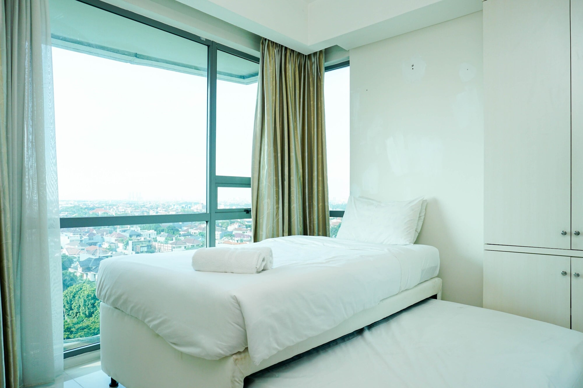 Good Location and Cozy 2BR St. Moritz Apartment, Jakarta Barat